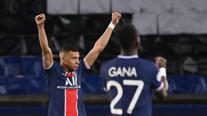 PSG withstand Bayern barrage to dethrone Champions League holders