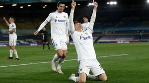 Llorente equaliser dents Liverpool's top-four hopes