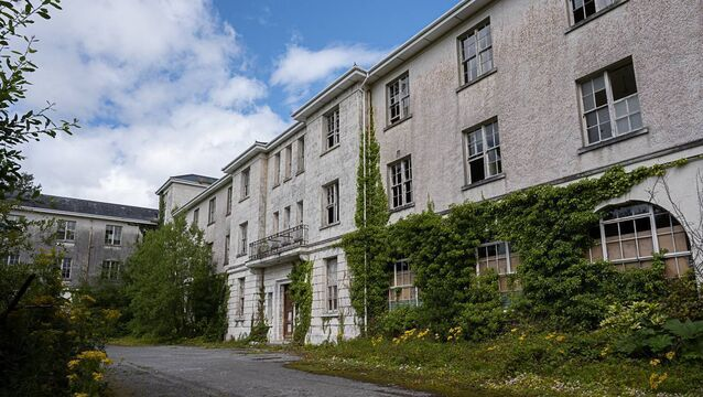 <p> Coláiste Íosagáin in Baile Mhúirne has lain idle since the school closed in 1989. Picture: Seán Donegan</p>