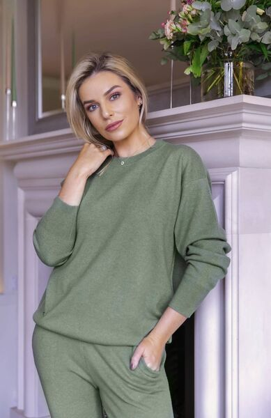 GO GREEN: Pippa O'Connor Ormand makes spinach filled smoothies for herself and her sons Ollie and Louis every day.