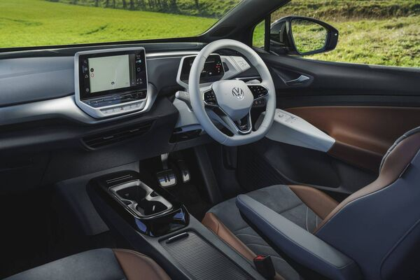 Then there are the capacitive buttons on the steering wheel that control functions such as the infotainment volume.  They feel bizarre, like sticky, and are irritating to use.