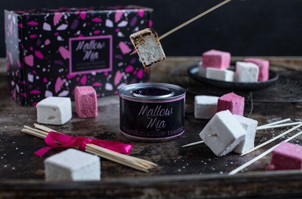 Donegal-produced Mallow Mia gift set, including tabletop burner, is crucial to production of The Menu's NíosMó campfire sweet treat.