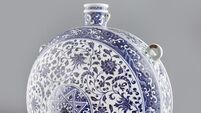 Ming vase nets €610,000 at auction for Cork family