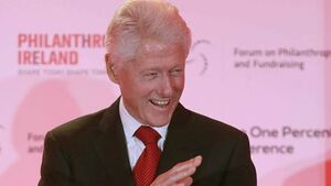 Clinton begins Derry visit