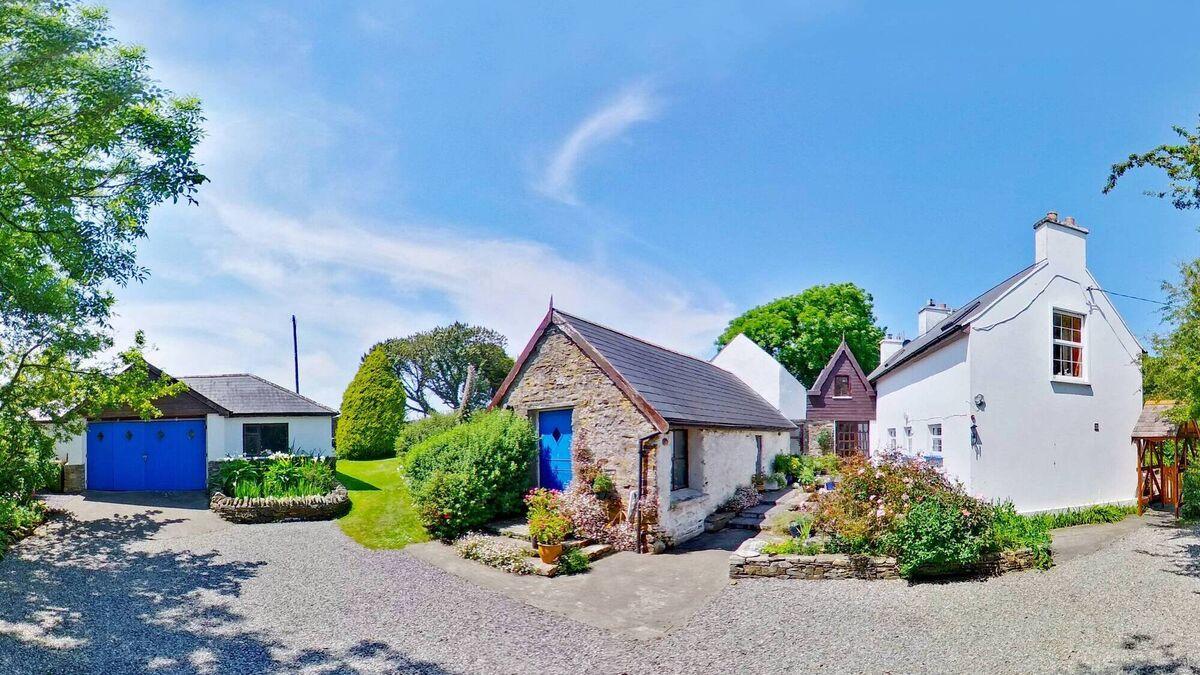 Ireland's 'other Brittas' - €425k coastal spot between Clonakilty and Galley Head has a seaside home and garden glory in spades and buckets - Irish Examiner