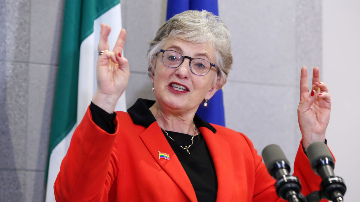 'Striking similarities' between golfgate controversy and Katherine Zappone function