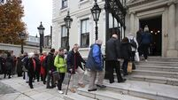 Hundreds queue to sign Gay Byrne book of condolences in Dublin