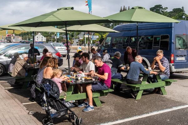Pubs and restaurants across Ireland with ample outdoor       seating were informed that they too could have taken bookings for       outdoor parties for up to 200 people. File picture