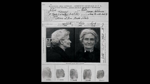 Documenti carcerari raffiguranti Violet Gibson nel sistema italiano