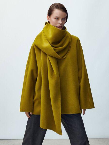 Wool sweatshirt made with scarf, Massimo Dutti, € 169.