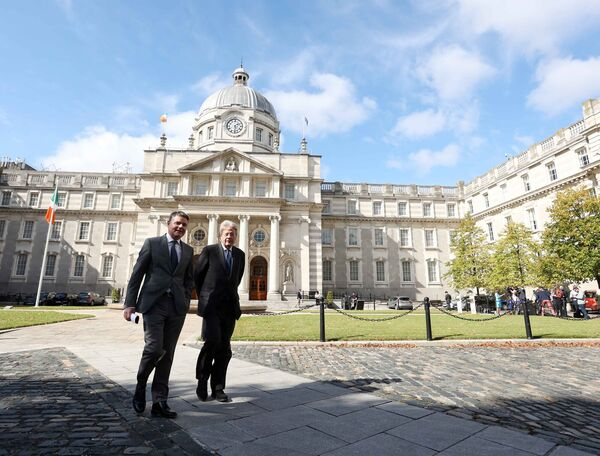 Paschal Donohoe and EU Economic Commissioner Paolo Gentiloni in Dublin on Monday.  Photo: Sam Boal / RollingNews.ie