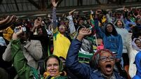 'Dignified' South Africans praised at Mandela memorial