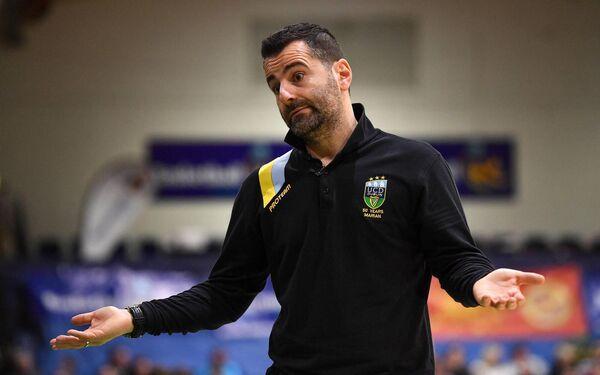 O ex-técnico da UCT Marion, Ionis Liabakis, está agora no comando da equipe feminina do Leekslip Facility Liffey Celtics