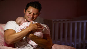 Additional two weeks of paid paternity leave introduced for new parents
