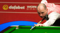 Perry sets up showdown with O'Sullivan