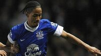 Everton's Pienaar ruled out of Chelsea clash