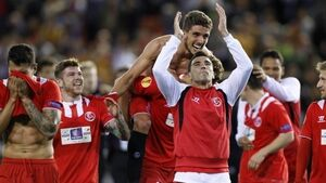 Stoppage-time winners sees Sevilla into final