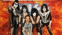 Kiss 'helped fan accept dwarfism'