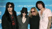 Mötley Crüe to sign legal document committing to split