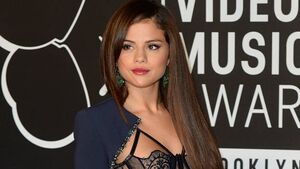 Gomez to get prestigious trophy at Teen Choice Awards