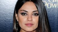 Kunis 'struggling with morning sickness'