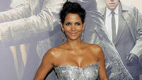 Halle Berry didn't wash for 8 weeks instead of smoking crack