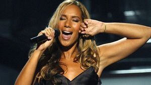 Cowell 'supportive' of Lewis record label move