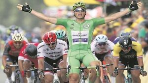 Sprint king Kittel powers to fourth stage victory