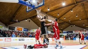 Basketball: Swords bid to keep title dreams alive against DCU