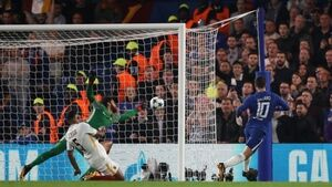 Hazard comes to the rescue for Chelsea in six-goal Roma clash