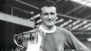 Man Utd captain Noel Cantwell's ashes to be scattered in Cork