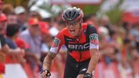 Brave descent sees Nicolas Roche advance