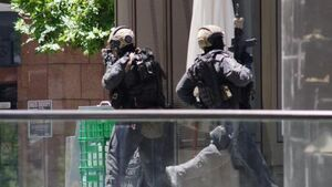 Five more hostages escape Sydney siege