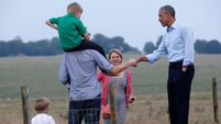 Obama chats to locals down at Stonehenge