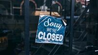 Calls for restaurants and cafes to shut following govt decision to close pubs