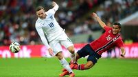 England labour to narrow win against Norway