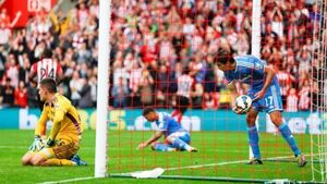 Sunderland keeper wants refund for fans