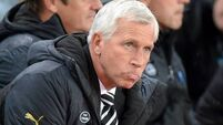 Players '100% behind Pardew'