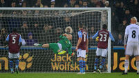 Free kick gives Swansea hard earned win over Aston Villa