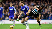 Chelsea clear at top as Everton hold City