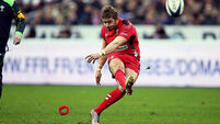 Wales stun French in Paris