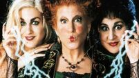 Bette Midler says the original 'Hocus Pocus' cast is on-board for a sequel