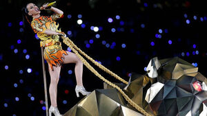 Katy Perry not happy with Russell Brand's Super Bowl good luck tweet