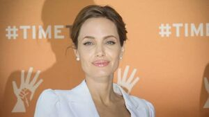 Angelina Jolie has ovaries removed
