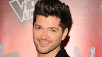 Script frontman 'hooks up' with Lohan