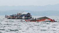 45 dead on capsized Philippine ferry
