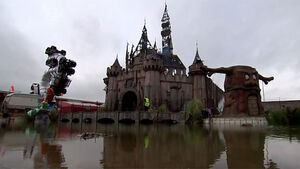 Dismaland to be sent to Calasis to shelter migrants