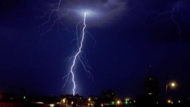 Lightning kills 22 in India; women's cricket teams narrowly escape being struck