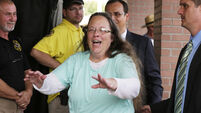 Kentucky clerk jailed over gay marriage says Pope told her to 'stay strong'